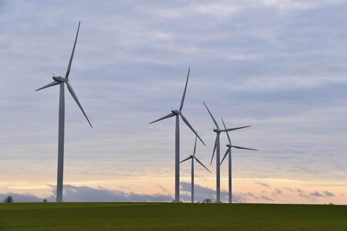 Adani Green Energy Hindistan'da 100 MW'lık Rüzgar Enerjisi Santralini Devreye Aldı